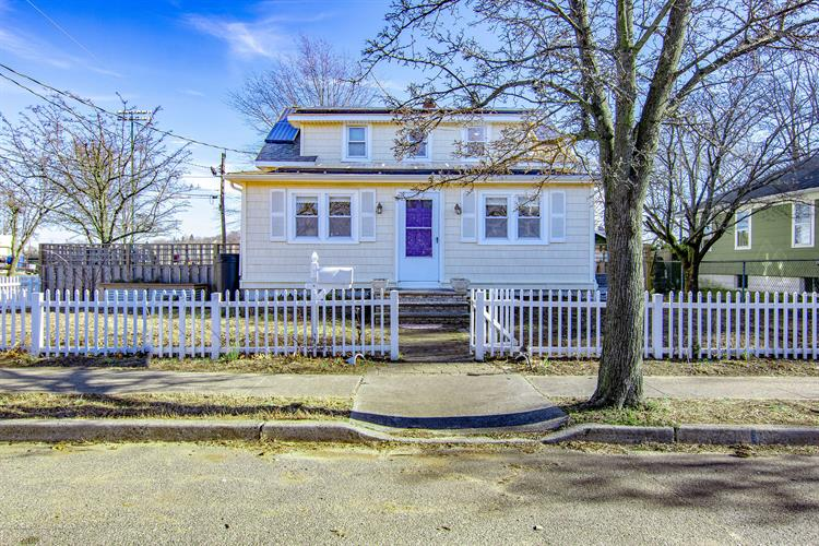 50 Avenue C, Atlantic Highlands, NJ 07716 - Image 1