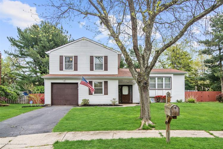 19 Hearth Court, Howell, NJ 07731 - Image 1