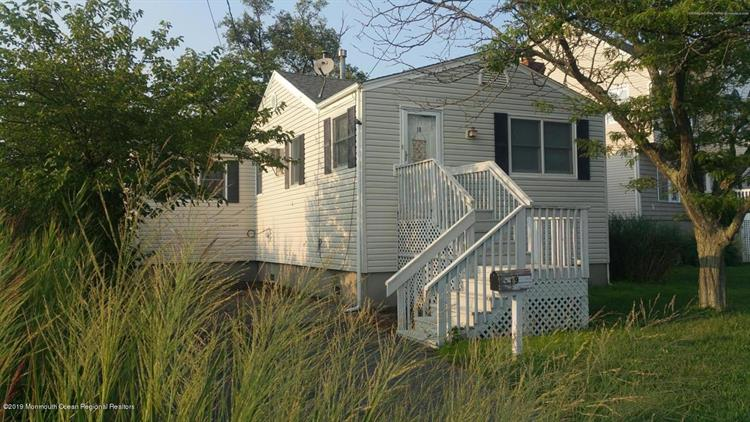 19 Griffin Street, Monmouth Beach, NJ 07750 - Image 1