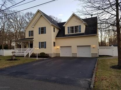 5 Hemlock Avenue, Farmingdale, NJ