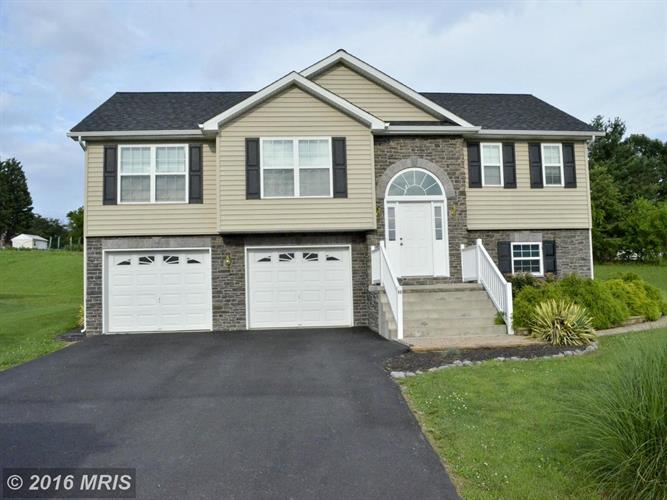96 SEASCAPE CT, Martinsburg, WV 25403
