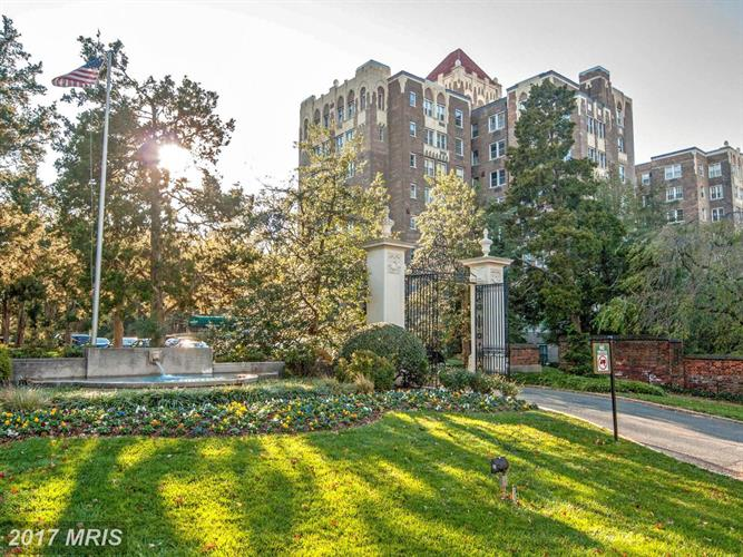 4000 CATHEDRAL AVE NW #146B, Washington, DC 20016