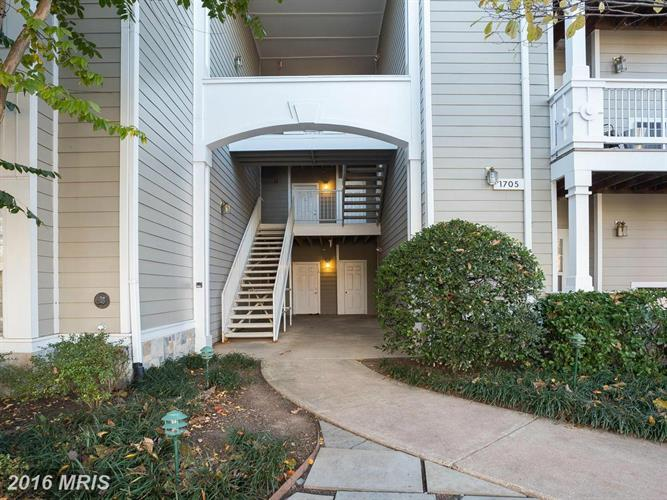 1705 LAKE SHORE CREST DR #36, Reston, VA 20190