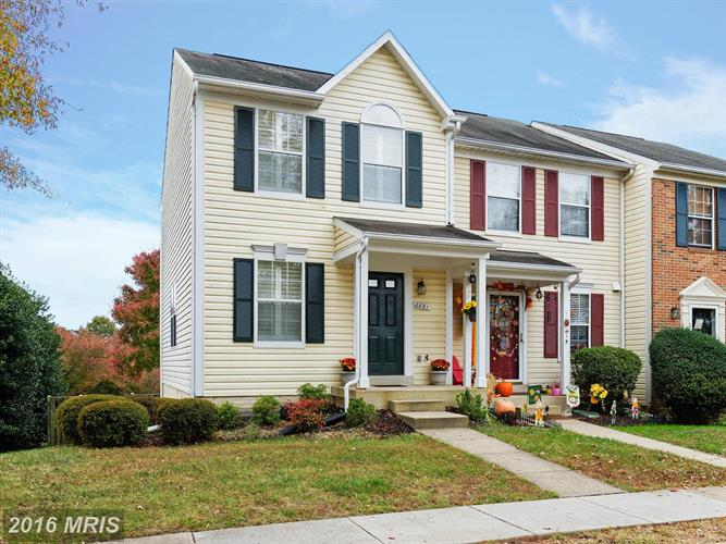 6881 CHASEWOOD CIR, Centreville, VA 20121