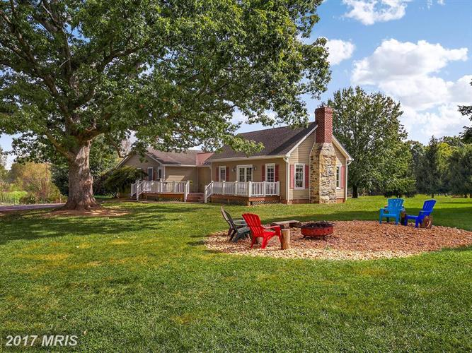 19047 FOGGY BOTTOM RD, Bluemont, VA 20135