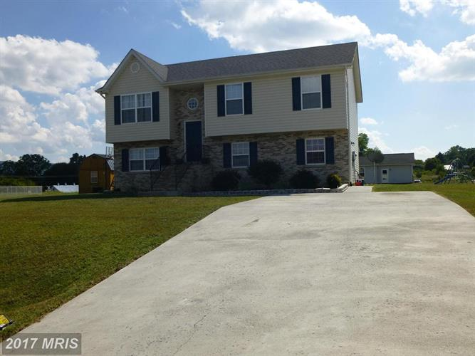 132 SILVER CT, Maurertown, VA 22644