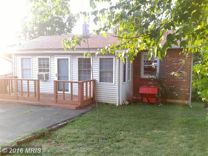 124 STEELE AVE, Front Royal, VA 22630