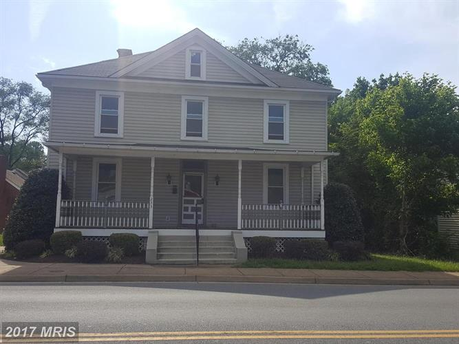 233 ROYAL AVE S, Front Royal, VA 22630