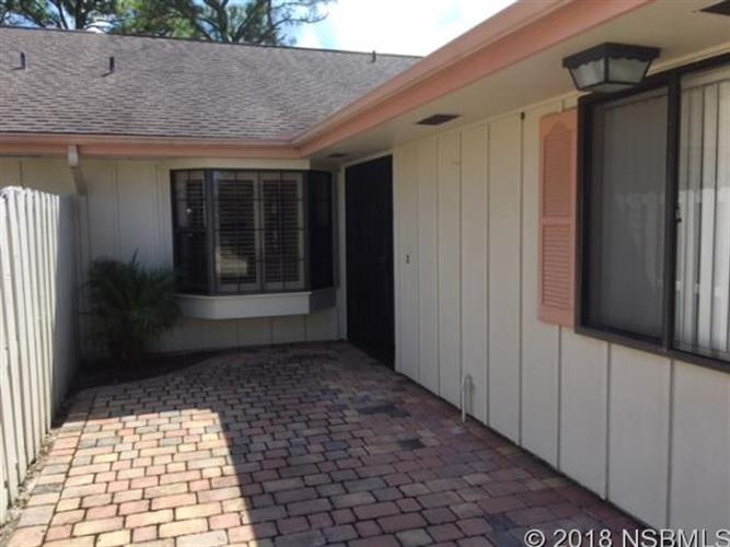 25 Lake Fairgreen Cir, New Smyrna Beach, FL 32168