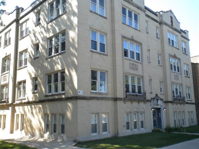 6104 N Rockwell Street, Chicago, IL 60659