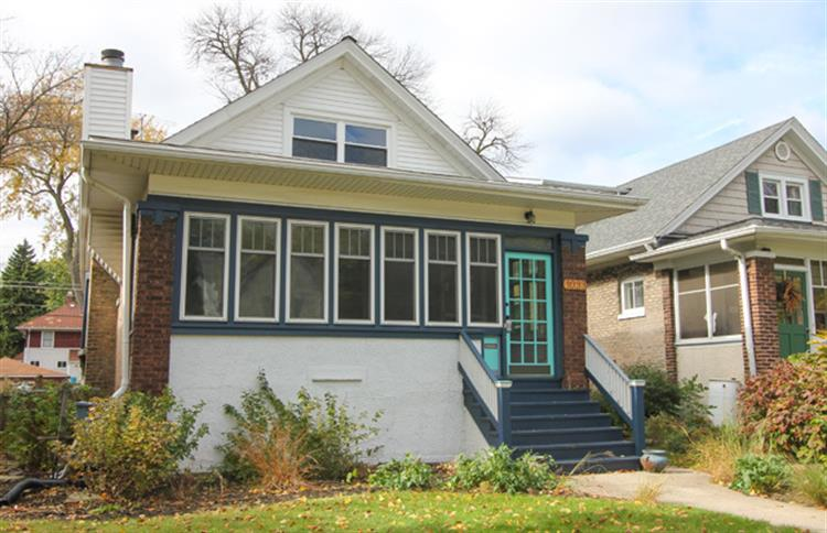 1033 S Grove Avenue, Oak Park, IL 60302