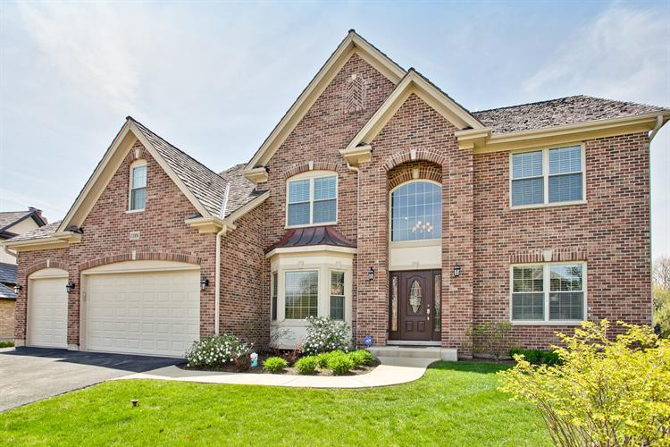 long grove singles 410 s diamond drive , long grove, ia 52756 is a real estate single family property that is for sale on wwwruhlhomescom the mls# is 4193086 and it is available for $349,900.