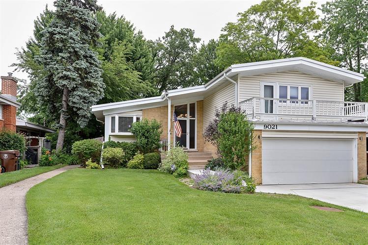 9021 Sleeping Bear Road, Skokie IL 60076 For Sale, MLS ...