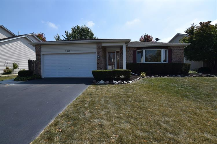 2610 MELBOURNE Lane, Lake in the Hills, IL 60156