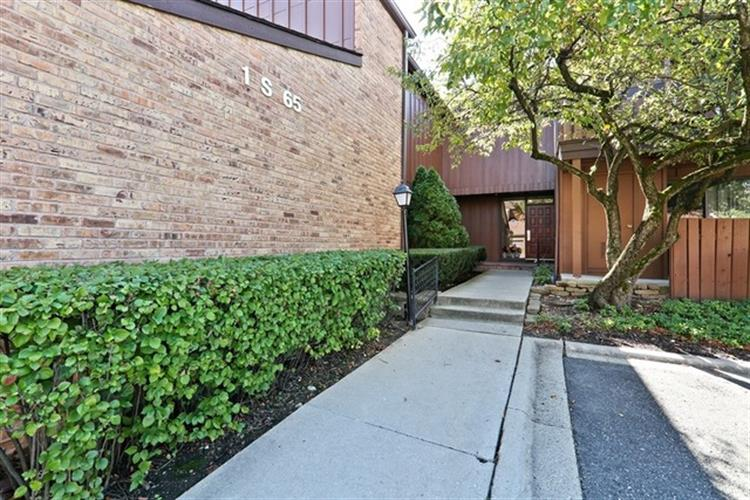1s065 spring road oakbrook terrace il 60181 mls for 1 oakbrook terrace