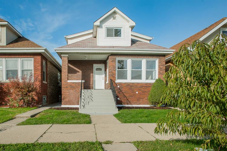 2542 N Rutherford Avenue, Chicago, IL 60707