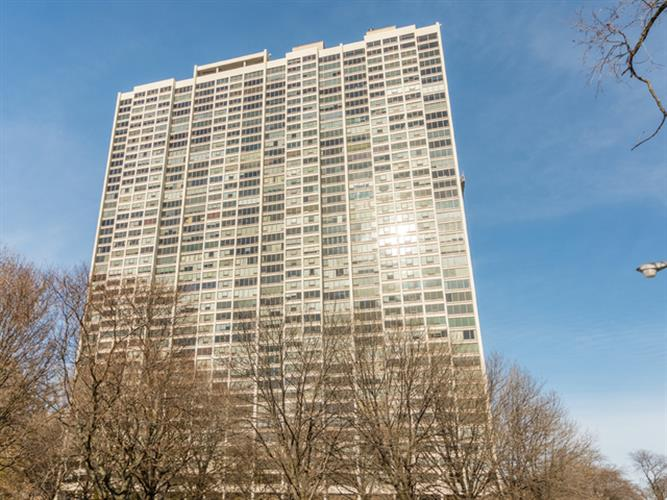 2800 N Lake Shore Drive, Chicago, IL 60657