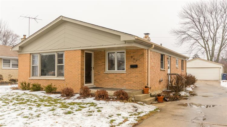 257 N Craig Place, Lombard, IL 60148