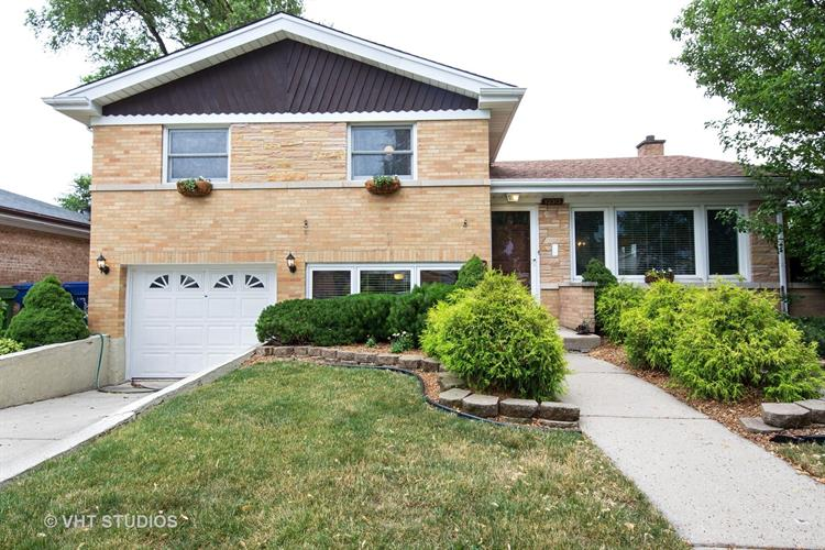 10313 S 51st Court, Oak Lawn, IL 60453