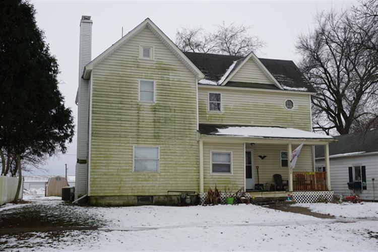 208 East CHESTER Avenue, Cabery, IL 60919 - Image 1