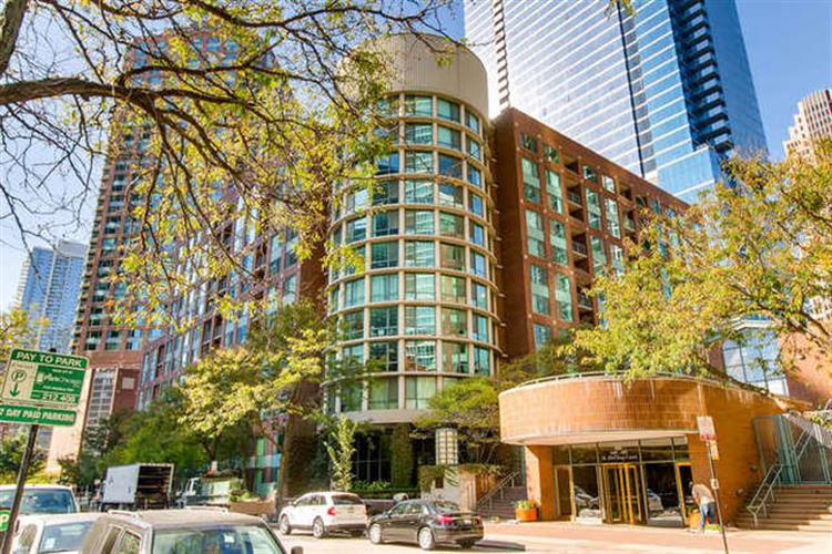 440 N McClurg Court, Chicago, IL 60611