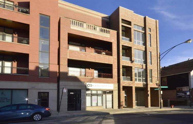 2503 N Halsted Street, Chicago, IL 60614