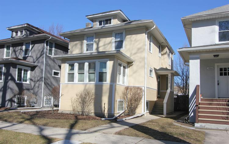 1008 N Humphrey Avenue, Oak Park, IL 60302