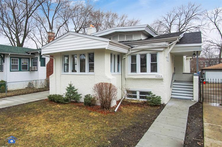 4504 N LAWNDALE Avenue, Chicago, IL 60625