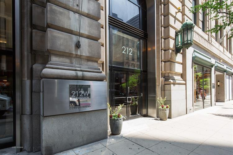 212 W WASHINGTON Street, Chicago, IL 60606