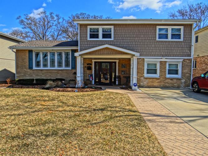 441 S Fernandez Avenue, Arlington Heights, IL 60005