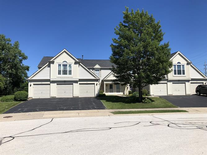 425 CHUKKER Court, Wheeling, IL 60090