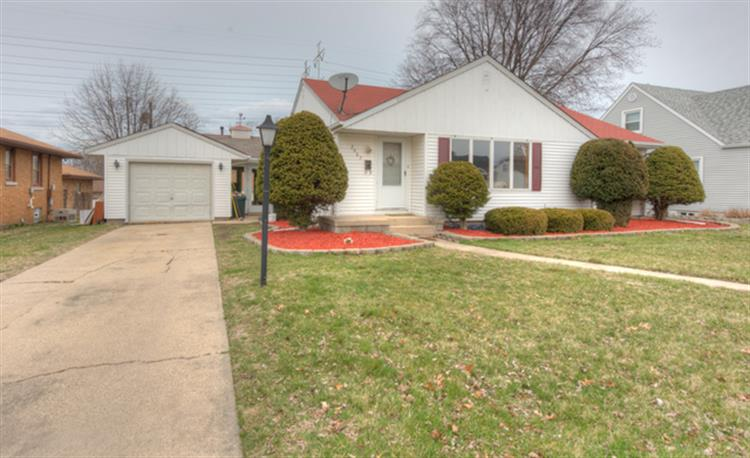 2907 Franklin Street, Highland, IN 46322