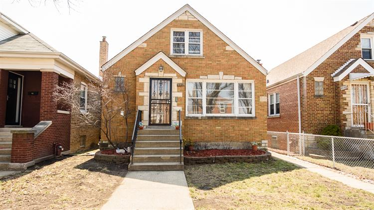 5955 W WILSON Avenue, Chicago, IL 60630