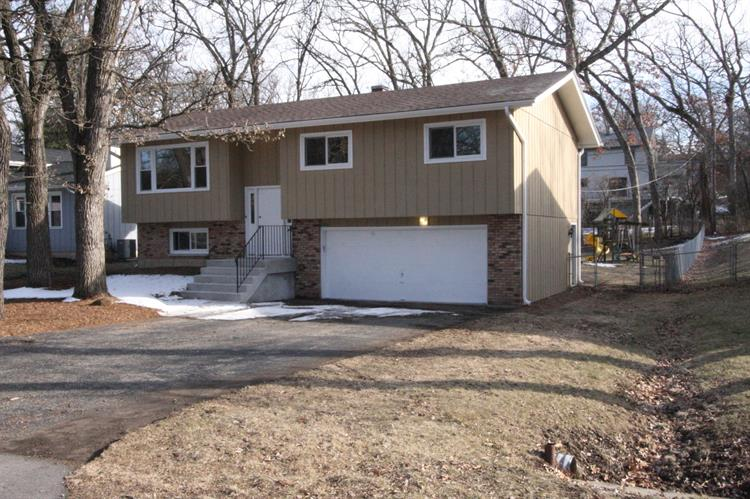 8607 Dorr Road, Wonder Lake, IL 60097
