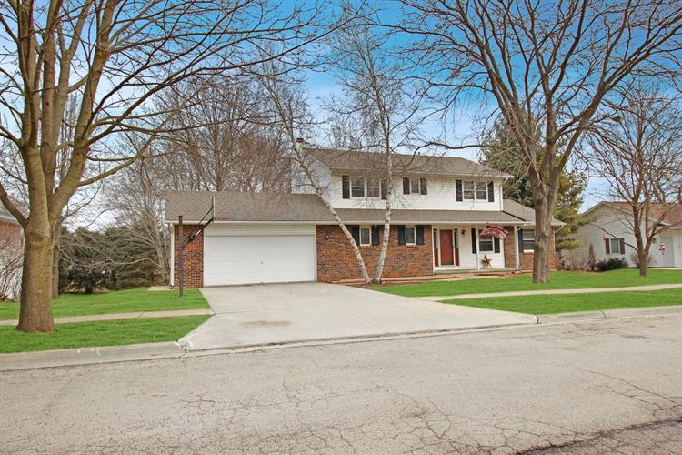 2210 Countryside Lane, Freeport, IL 61032