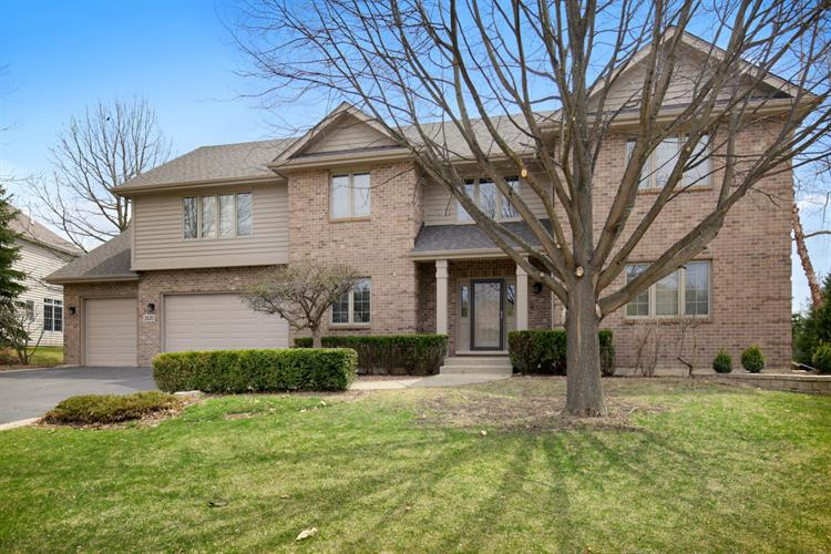 3520 Sandstone Court, Lake in the Hills, IL 60156