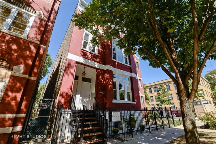 2702 W Thomas Street, Chicago, IL 60622