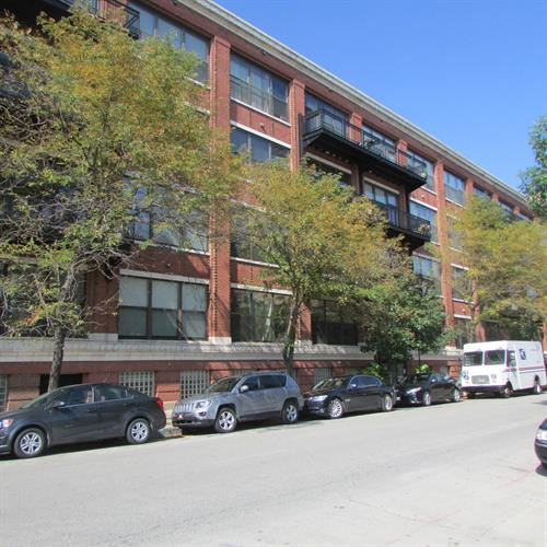 1040 W Adams Street, Chicago, IL 60607