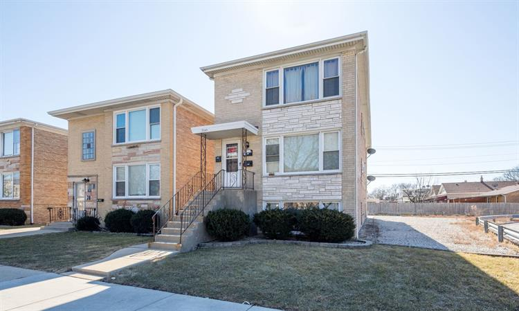 7249 W Belmont Avenue, Chicago, IL 60634