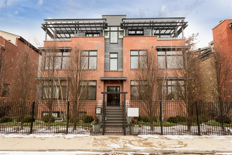 2636 N Lakewood Avenue, Chicago, IL 60614