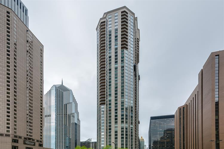 222 N Columbus Drive, Chicago, IL 60601