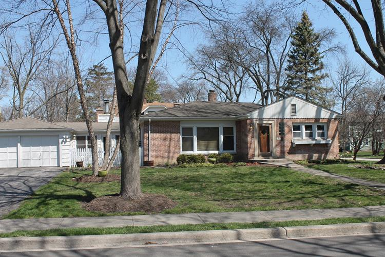 306 W Elm Street, Arlington Heights, IL 60004