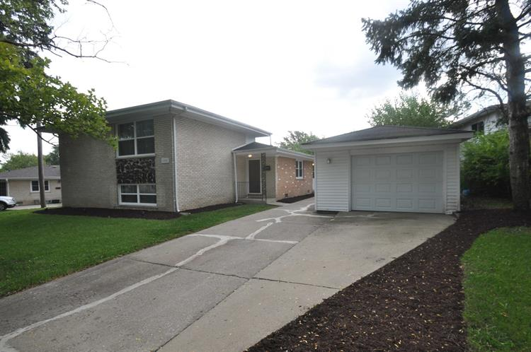 16405 George Drive, Oak Forest, IL 60452