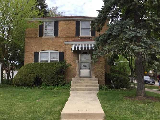 6734 W Foster Avenue, Chicago, IL 60656