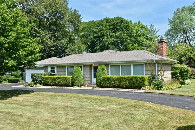 5989 Howard Avenue, La Grange Highlands, IL 60525