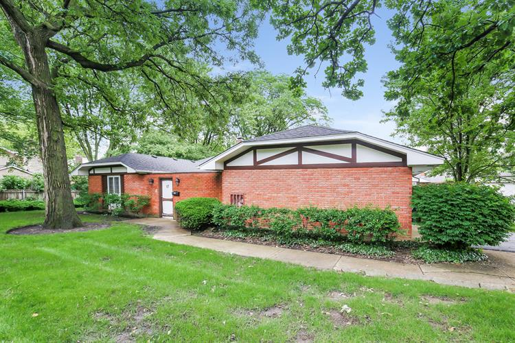 17 Saint George Drive, Rolling Meadows, IL 60008