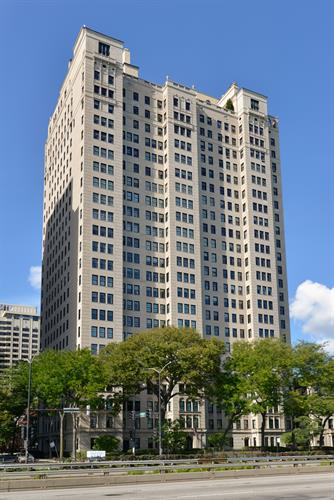 1500 N Lake Shore Drive, Chicago, IL 60610