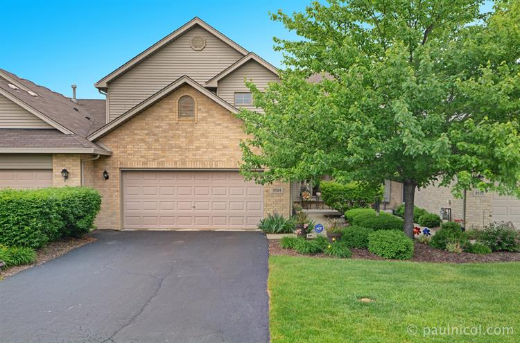 9134 Mansfield Drive, Tinley Park, IL 60487