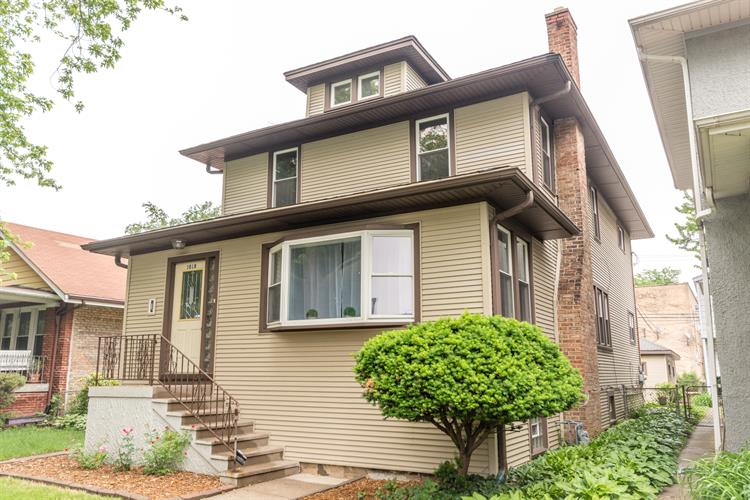 1018 N Humphrey Avenue, Oak Park, IL 60302
