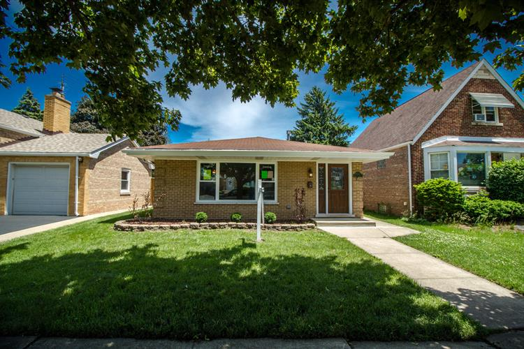 9321 S Richmond Avenue, Evergreen Park, IL 60805